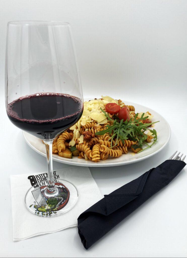 Salsiccia Pasta und ein Glässchen Wein